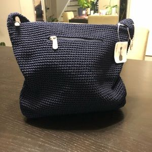 The SAK crochet shoulder bag in NAVY.